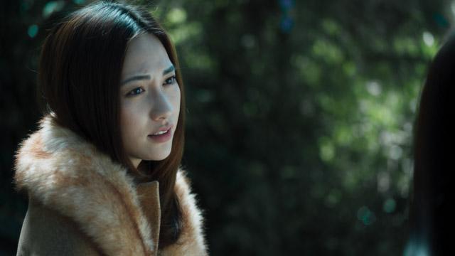 Phương Anh Đào vào vai bà mẹ đơn thân trong phim.