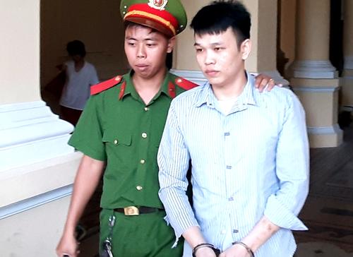 Bị cáo Linh sau phiên tòa. Ảnh: Bình Nguyên.