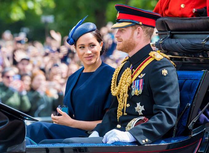 Vợ chồng Harry - Meghan dự lễ diễu binh mừng sinh nhật Nữ hoàng Anh hôm 8/6. Ảnh: PA.