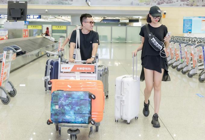 Hồng Quế không chỉ là bạn thân mà cònlà nàng thơ của NTK Hà Duytrong nhiều bộ sưu tập thời trang.