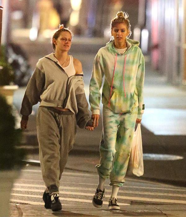 Kristen chỉ vừa tái hợp người mẫu của Victorias Secret vào tháng trước sau nửa năm chia tay. Cặp đôi gắn bó từ năm 2016 đến cuối năm 2018. Sau đó, Kristen có vài tháng hẹn hò cô bạn Sara Dinkin trước khi quay lại với Stella Maxwell.