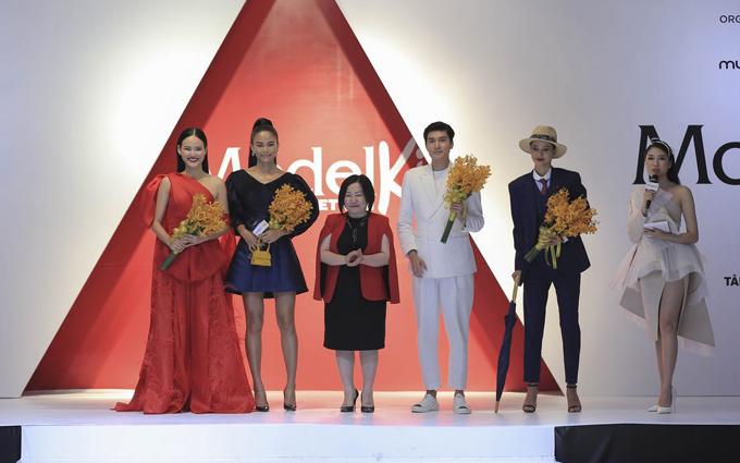 Chiều ngày 12/6, chương trình Model Kid Viet Nam 2019 tổ chức buổi họp báo giới thiệu 4 vị huấn luyện viên và top 20 thí sinh bước vào vòng chung kết.