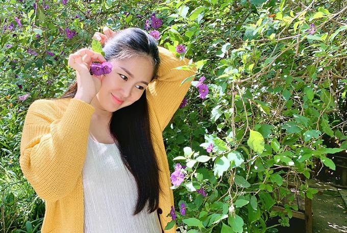 Lê Phương nói, đây là khoảng thời gian hạnh phúc của cô bởi tổ ấm viên mãn, sự nghiệp có nhiều dấu ấn sau thành công của phim Gạo nếp, gạo tẻ và một số vở kịch cô tham gia.