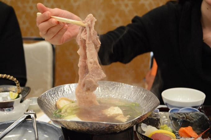 Loại thịt bò cực phẩm đắt hơn cả thịt bò Kobe - 1