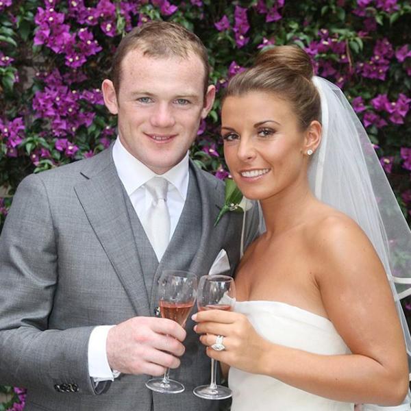 Rooney và Coleen trong ngày cưới 11 năm trước.