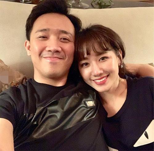 Trấn Thành khoe khoảnh khắc hạnh phúc giản đơn bên bà xã Hari Won.