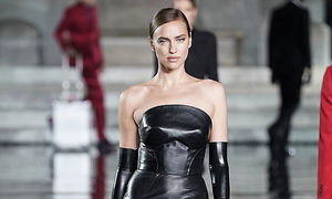 Irina Shayk lần đầu catwalk sau chia tay Bradley Cooper