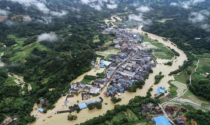 Tỉnh Quảng Đông ngập trong nước lũ. Ảnh: AFP.