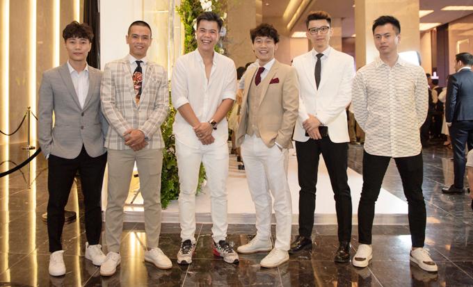 Nhóm Oplus, ca sĩ Đinh Mạnh Ninh và nhạc sĩ Dương Cầm.