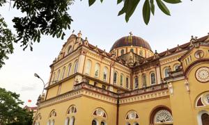 Ở nhà cổ, thăm loạt nhà thờ đẹp như châu Âu ở Nam Định