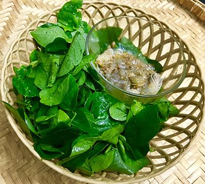 Canh rau ngót nấu tôm - 1