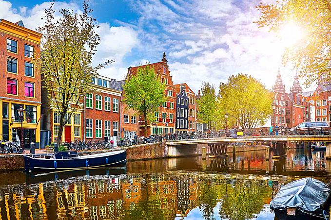 Ý tưởng cho du khách kết hôn một ngày gây sửng sốt ở Hà Lan - 1