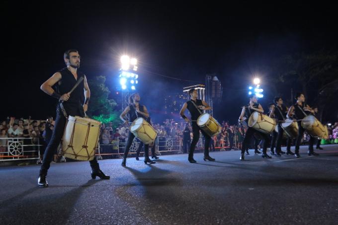 Đà Nẵng cuồng nhiệt trong Carnival đường phố DIFF 2019 tối 16/6 - xin edit - 6