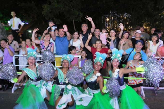 Đà Nẵng cuồng nhiệt trong Carnival đường phố DIFF 2019 tối 16/6 - xin edit - 9