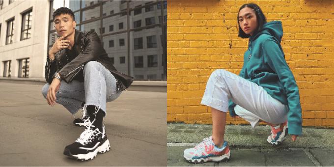 Giày sneakers không những được sử dụng trong phòng tập gym hay hỗ trợ cho các môn thể thao mà còn được tận dụng như một món phụ kiện sành điệu, nhấn nhá cho bộ trang phục thêm phần nổi bật và cá tính.  Chính vì điều này, những gã khổng lồ thống lĩnh thị trường không ngừng ra mắt các mẫu giày kiểu dáng mới lạ cùng công nghệ đột phá.
