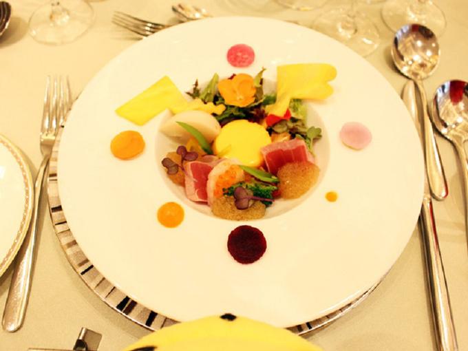 Các món ăn đều có hình ảnh chiếc đuôi hình tia lửa điện của Pikachu.
