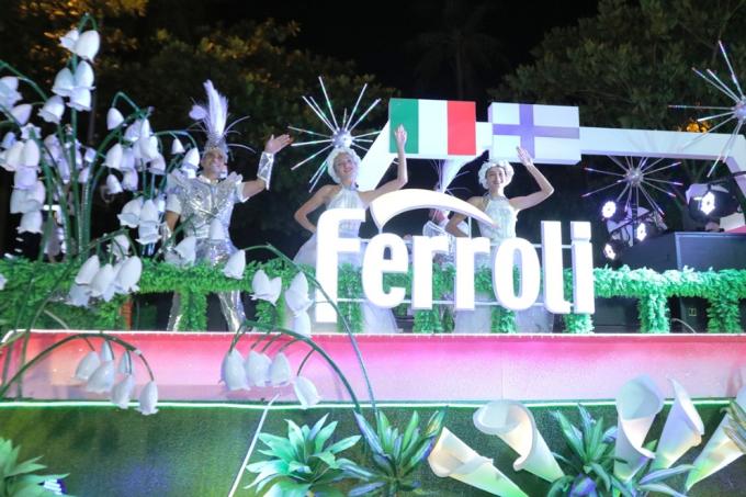 Đà Nẵng cuồng nhiệt trong Carnival đường phố DIFF 2019 tối 16/6 - xin edit - 7