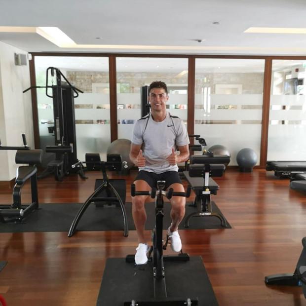 Ronaldo nghiêm túc tập luyện, dù đã giành nhiều thành công.