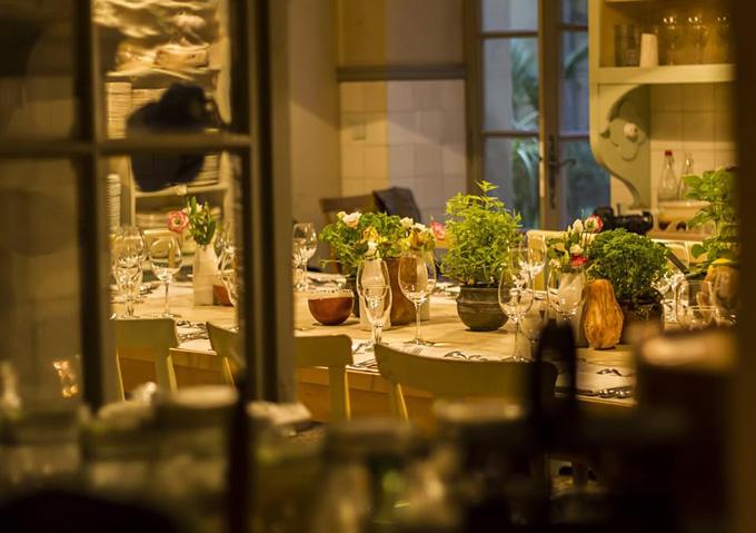 Nhà hàng La Mirandenơi cả gia đình ông Obama dùng bữa tối hôm 16/6. Giá một người là 106 USD bao gồm cả rượu.