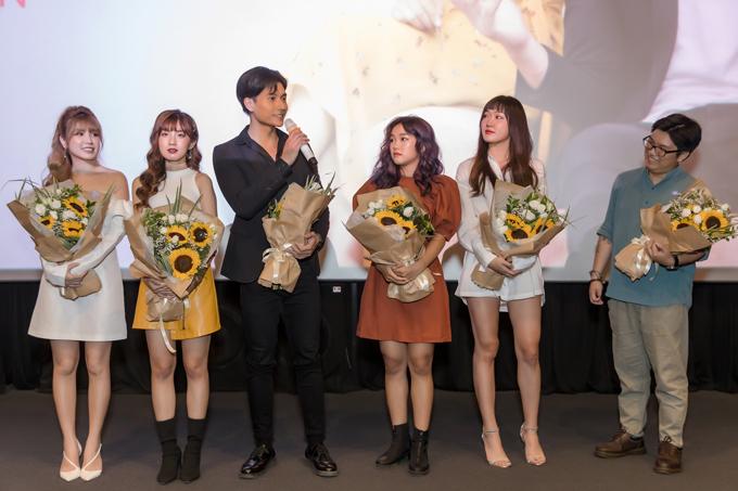 Hot girl An Japan thừa nhận rung động trước thị vệ của Chi Pu - 10