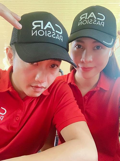 Cường Đôla và vợ sắp cưới Đàm Thu Trang đang có mặt tại Mộc Châu - Sơn La trong hành trình Car Passion 2019.