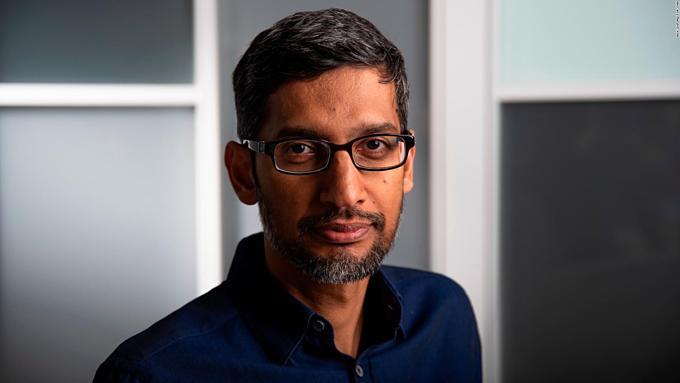 CEO Google đang đối mặt thách thức quyền riêng tư cho người dùng và lục đục nội bộ công ty. Ảnh:CNN.