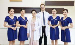 Ngọc Dung đoạt giải 'Doanh nghiệp có dịch vụ chăm sóc khách hàng tốt nhất'