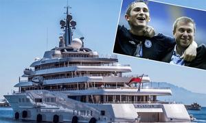 Tỷ phú Abramovich gặp Lampard trên siêu du thuyền