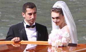 Sao Arsenal cưới con gái chính trị gia
