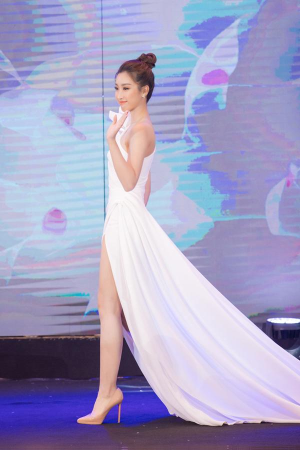 Naris là một trong những thương hiệu mỹ phẩm có mặt sớm nhất trên thị trường Việt Nam, được biết đến với các sản phẩm dưỡng da và trang điểm có nguồn gốc từ thiên nhiên.Lựa chọn một gương mặt trẻ, hiện đại, giàu lòng nhân ái, Naris muốn đồng hành cùng Đỗ Mỹ Linh để lan tỏagiá trị của yêu thương, tự chủ và cái đẹp, giúp phụ nữ Việt hạnh phúc hơn.