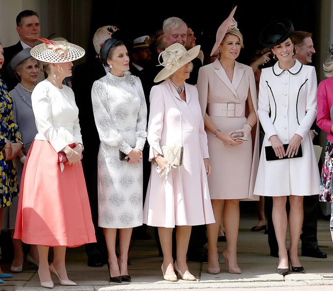 Lần lượt từ trái sang: Nữ bá tước xứ Wessex, Hoàng hậu Letizia của Tây Ban Nha, Nữ công tước xứ Corwall, Hoàng hậu Maxima của Hà Lan và Nữ công tước xứ Cambridge. Ảnh: PA.