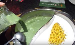 Lẩu sầu riêng trà xanh - không phải ai cũng dám thử