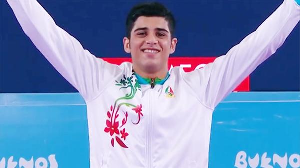 Navid Mohammadi vui mừng sau khi giành HC vàng ở Olympic trẻ năm 2018.