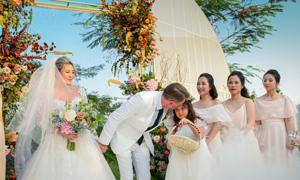 Hôn lễ có '1-0-2': Chú rể nói yêu người thứ 3 trước mặt cô dâu