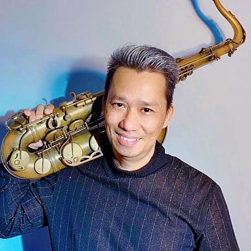 Nghệ sĩ Xuân Hiếu.