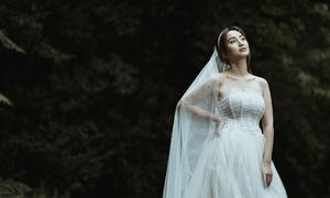 Váy cưới đính ren hướng tới sự tự do, phóng khoáng