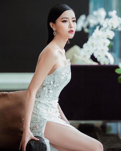 Ca sĩ Bích Phương được nhận xét như búp bê trong bức ảnh mới đăng tải.