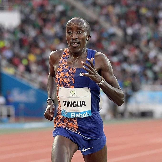 Zakayo Pingua trên đường chạy 5000m tại giải Diamond League ở Rabat, Marốc. Ảnh: CI.