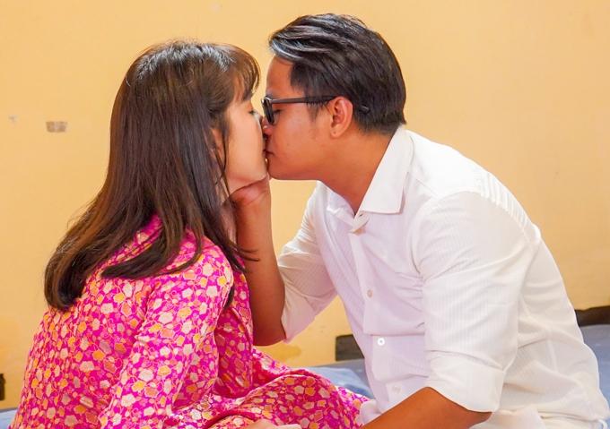 Vu quy đại náo ghi dấu nụ hôn màn ảnh đầu tiên của Ngọc Trinh.