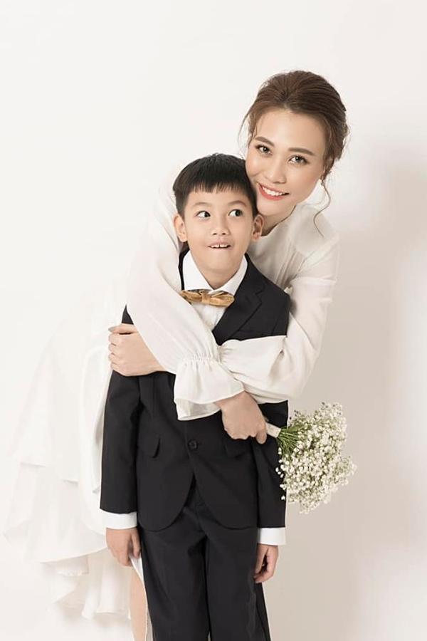 Đàm Thu Trang bên Subeo.