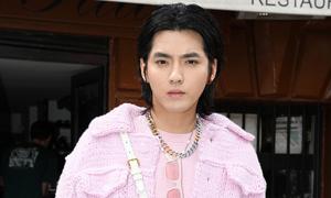 Ngô Diệc Phàm mặc đồ hồng nữ tính dự Tuần lễ thời trang