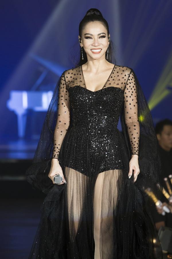 Thu Minh mặc sexy, nhảy bốc lửa trong showcase I am Diva - 6