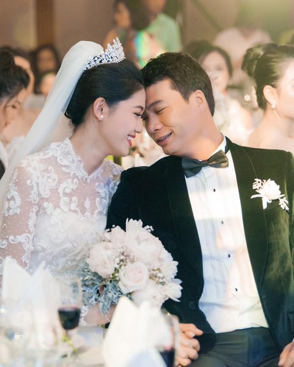 Vợ chồng Thanh Tú trong tiệc cưới tháng 12/2018.