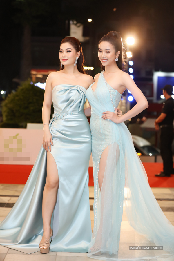 Á hậu Diễm Trang và Thúy An mặc đồ ton-sur-ton như chị em.
