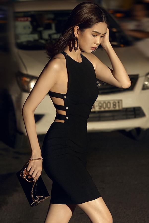 Bộ ảnh street style mới của Ngọc Trinh được cô và êkíp thực hiện trên phố đêm Sài Gòn để mang tới sắc màu mới.