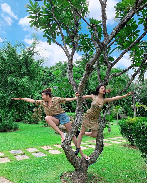 Siêu mẫu Thanh Hằng - Chi Pu hóa Tôn Ngộ Không trong bức ảnh mới đăng tải.