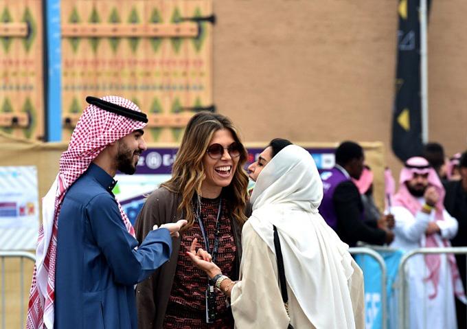 Thu nhập bình quân đầu ngườiở Arab Saudi khoảng20.000 USD/năm. Ảnh:AFP.