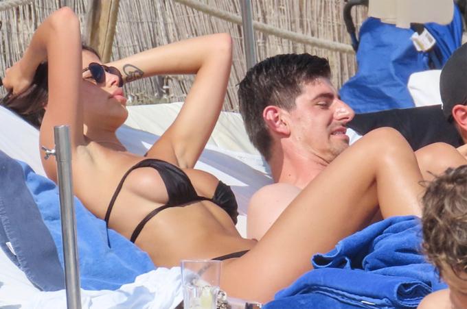 Thibaut Courtois có hai con với bạn gái cũ Marta Dominguez