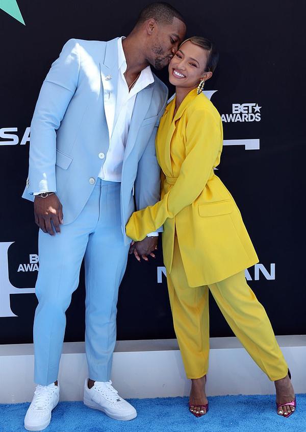 Cặp sao hẹn hò từ năm 2017, hai năm sau khi Karrueche chia tay nam ca sĩ Chris Brown vì anh có con rơi với người phụ nữ khác. Mối tình mới của người đẹp nhận được sự ủng hộ của đông đảo bạn bè, người hâm mộ.