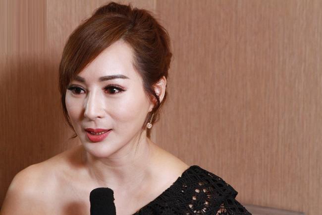 Hoa hậu châu Á 3 con vẫn bốc lửa, đàn ông xếp hàng theo đuổi - 5